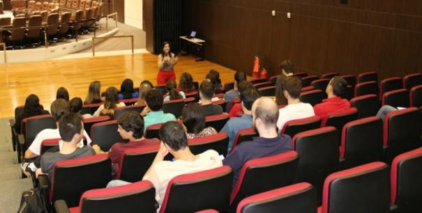 Estudantes acompanharam palestra na Capital - Foto: Heloisa Guarezi/Assessoria de Imprensa TJ-SC