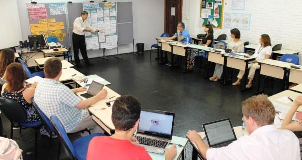 Professores de Administração Pública da Udesc Esag debateram a revisão pedagógica e da matriz curricular do curso. Fotos: Gustavo Vaz/Ascom